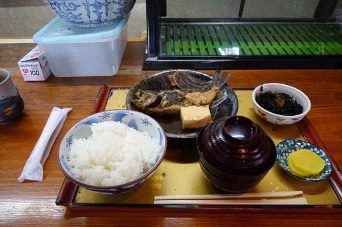 とびしま海道の食事処 麒麟(きりん)の煮魚定食