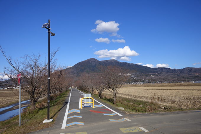 つくばりんりんロードから見る筑波山